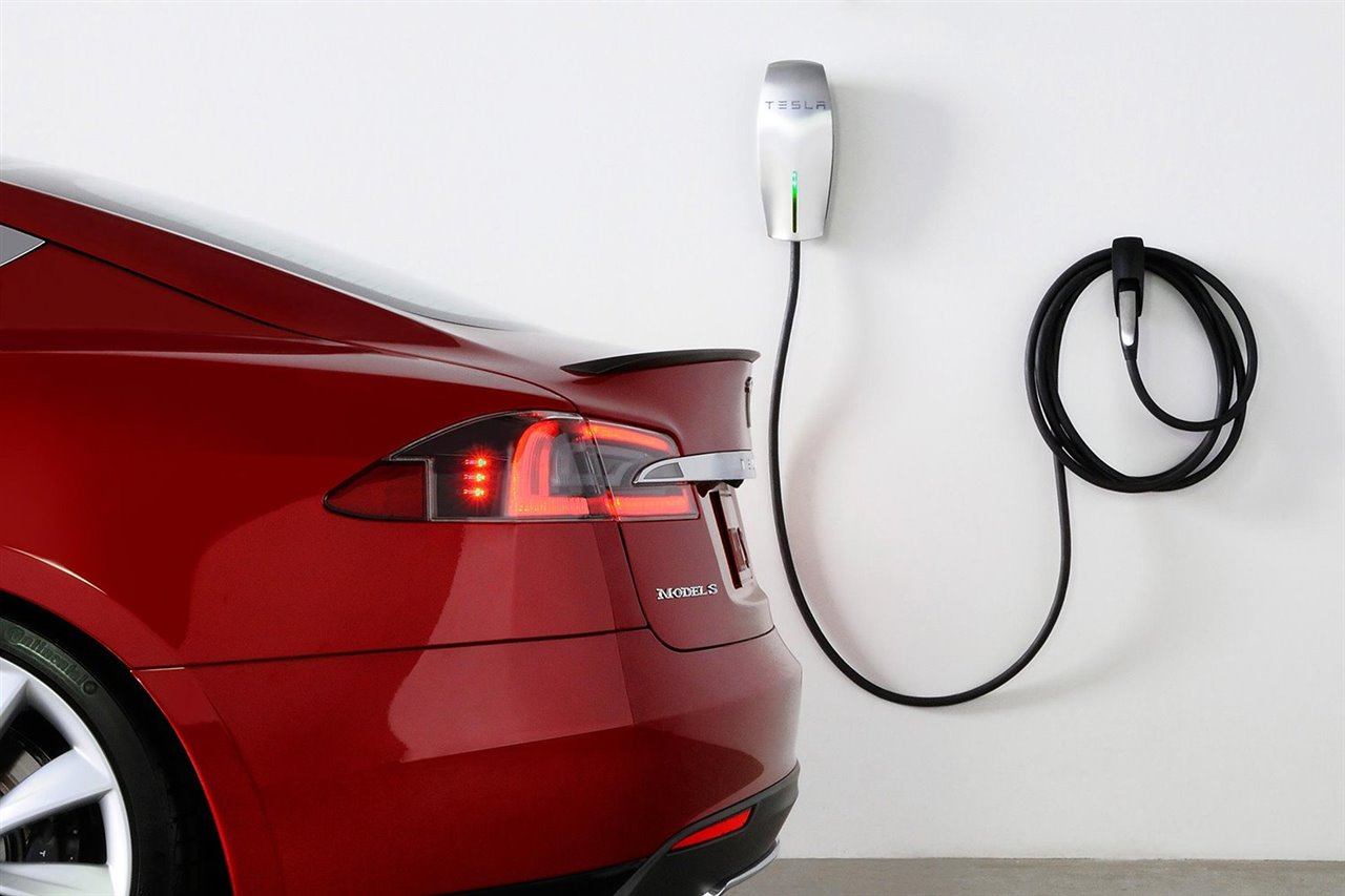 ¿Se puede cargar un coche eléctrico en casa?
